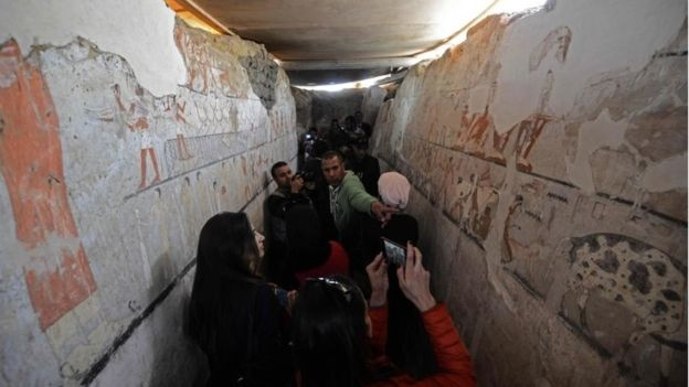 Visitors inside the Old Kingdom tomb of Hetpet (Photo: Agence France-Presse)