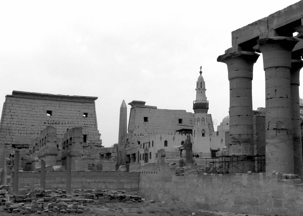 Abu al-Haggag Mosque and Luxor Temple (photo: Nile Scribes)
