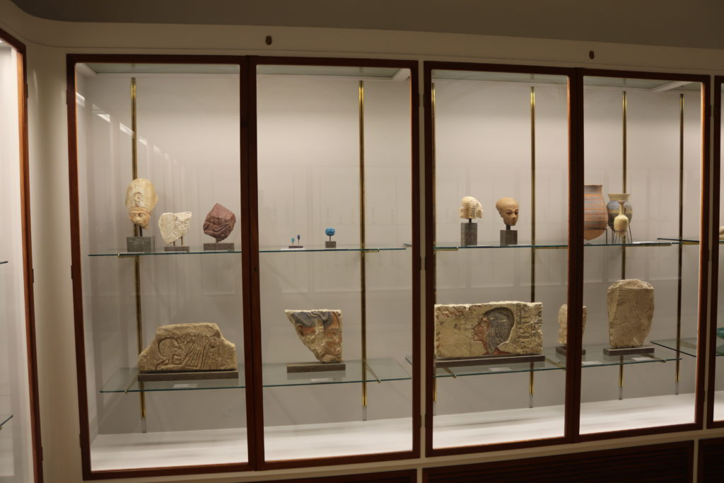 View of the Amarna artefacts on display in the Small Egyptian Room (Photo: Katherine Piper)