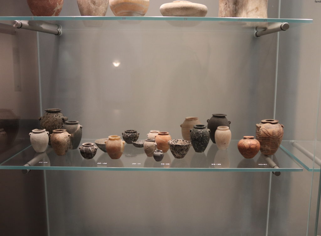 Stone and ceramic Predynastic vessels on display in the            Ancient Mediterranean gallery (Photo: Katherine Piper)