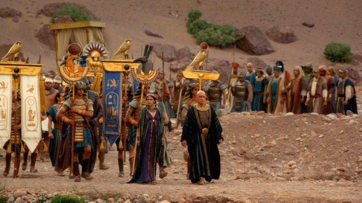 Ay and Ankhesenamun lead the procession into the Valley of the Kings to bury the boy king (Photo: Spike TV)
