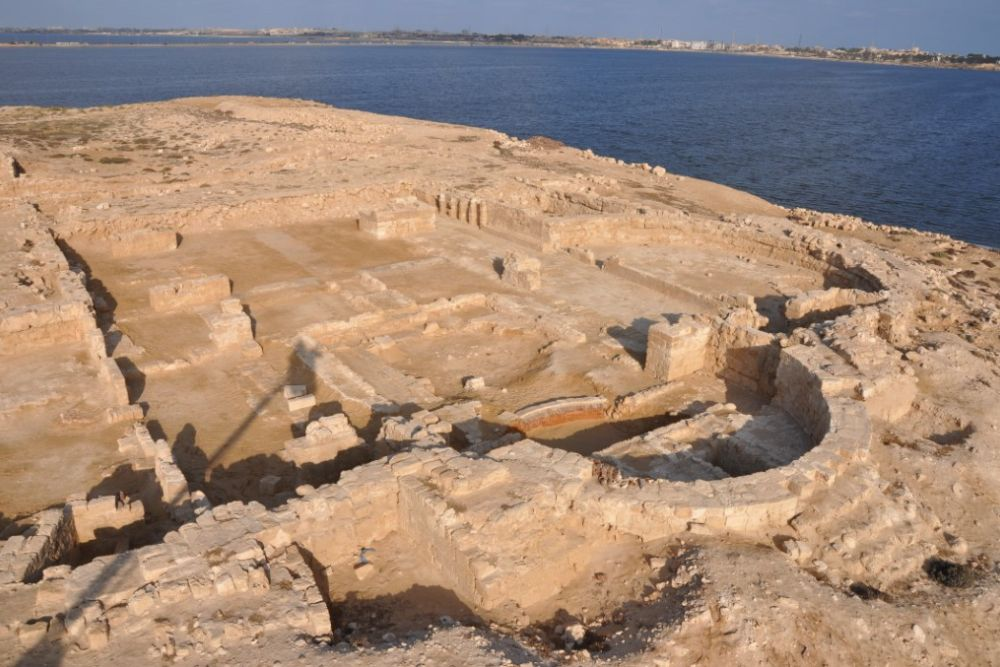 Polish archaeologists uncovered older remains                      of a basilica near Alexandria (Photo: First News)